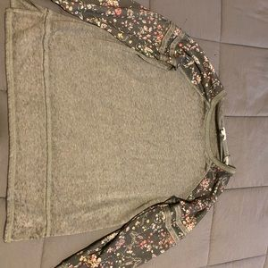 Maurices Long Sleeve Shirt/Sweater